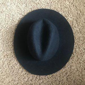 Black Steve Madden Wide Brim Hat